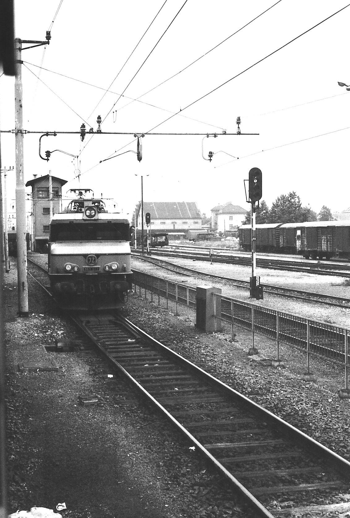 1980E30.jpg