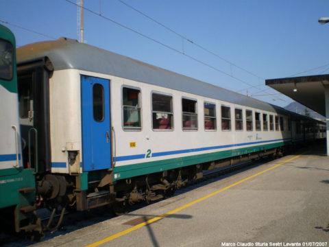 Carrozza UIC-X 50 83 22-79 999-2 I-FS BH – Sestri Levante – 1 Luglio 2007